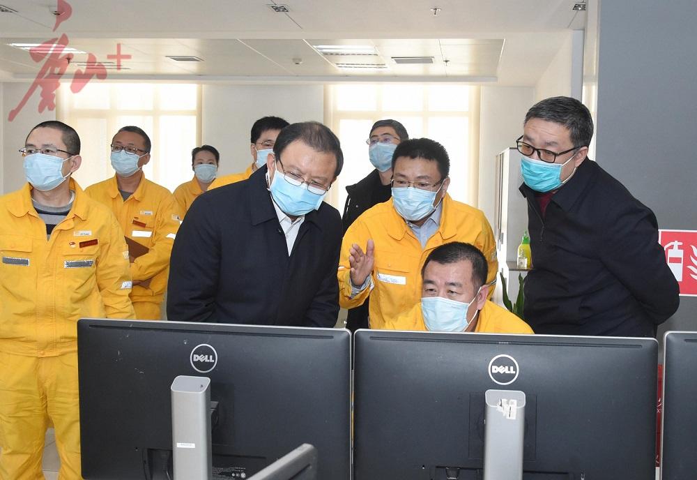 张古江调研检查疫情防控期间供热工作